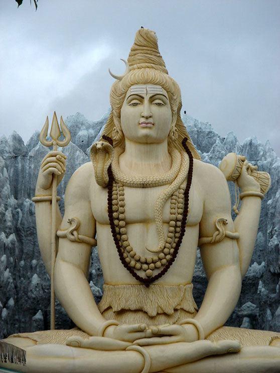 Shivá es el dios destructor en la Tri-murti del Hiduísmo