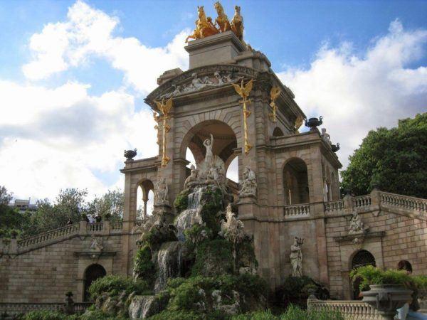 el-parque-de-la-ciudadela-en-barcelona-un-origen-cascada