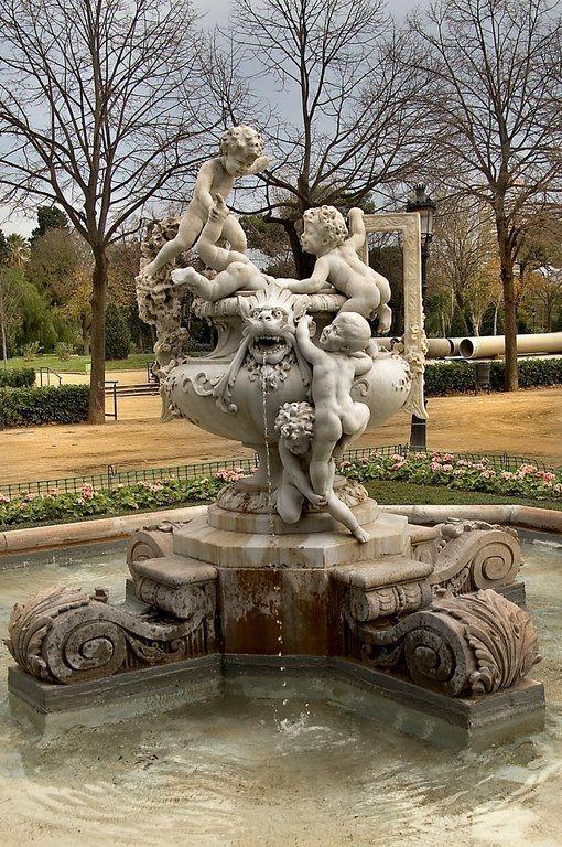 el-parque-de-la-ciudadela-en-barcelona-un-origen-fuente-ninos