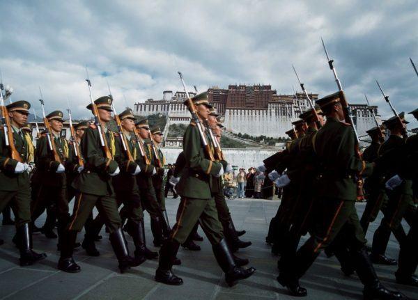 Soldados Chinos en el Tibet