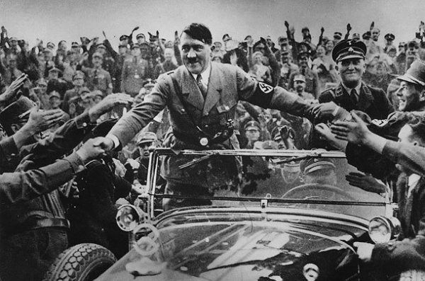 Hitler se alza con el poder en 1933