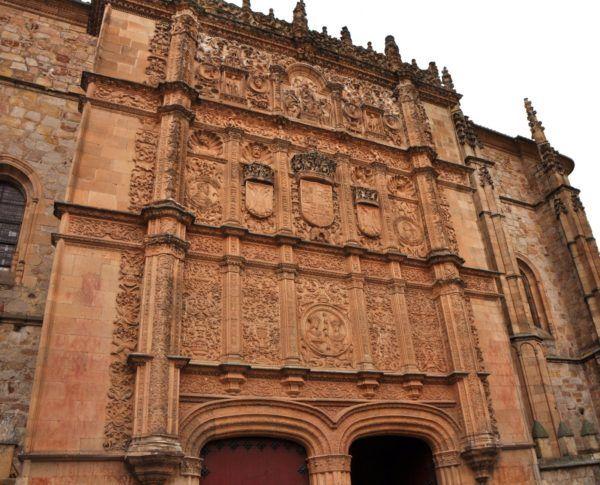el-siglo-de-oro-español-plateresco-fachada-universidad