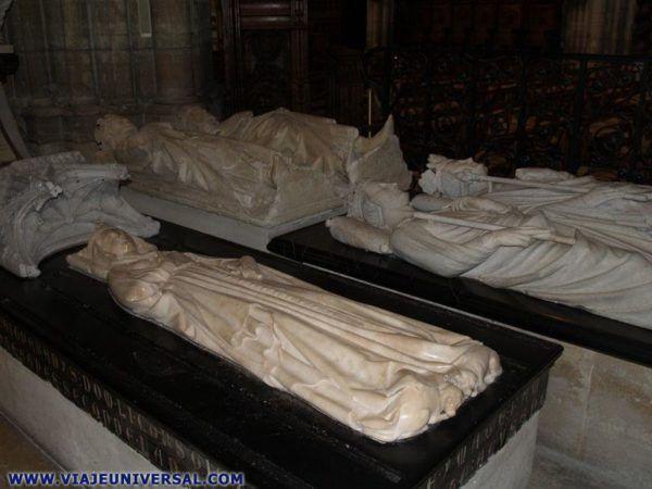 Tumba Isabel de Aragón