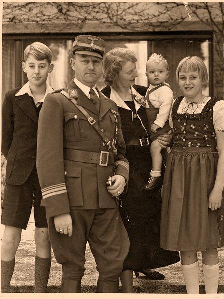 Victor Lutze y su familia