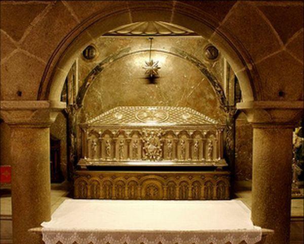 Vista de la tumba de Santiago Zebedeo, apóstol. Catedral de Santiago de Compostela,