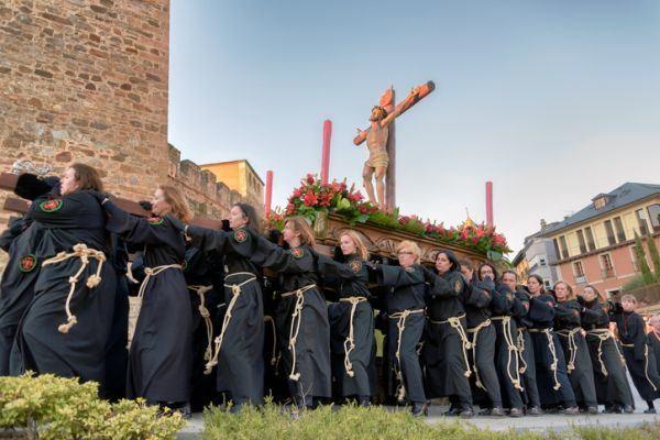 la-semana-santa-celebraciones-istock