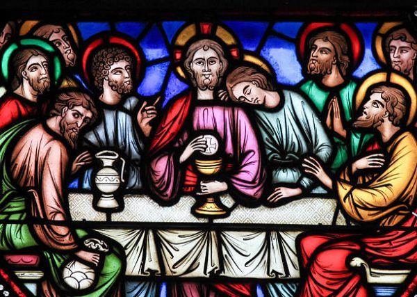 Que se celebra en jueves santo y que significa