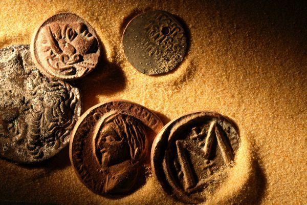repaso-historia-2o-eso-temario-monedas-istock