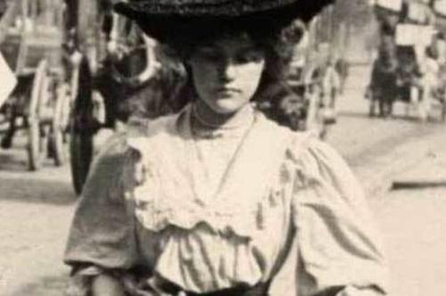 quien-fue-blanche-monnier-mujer-encerrada-eulixe.jpg