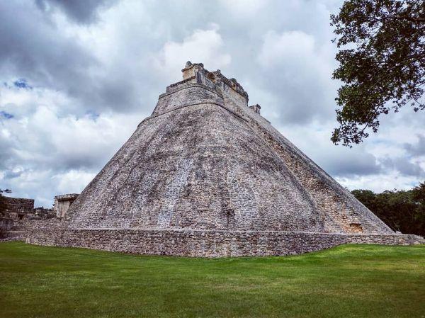 Pirámide maya de Uxmal