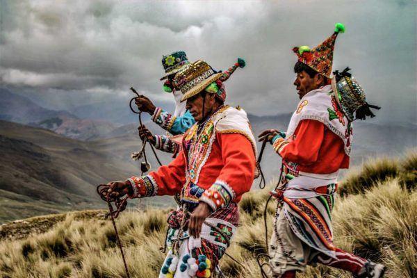 Que es takanakuy la polemica tradicion de peru para celebrar la navidad baile