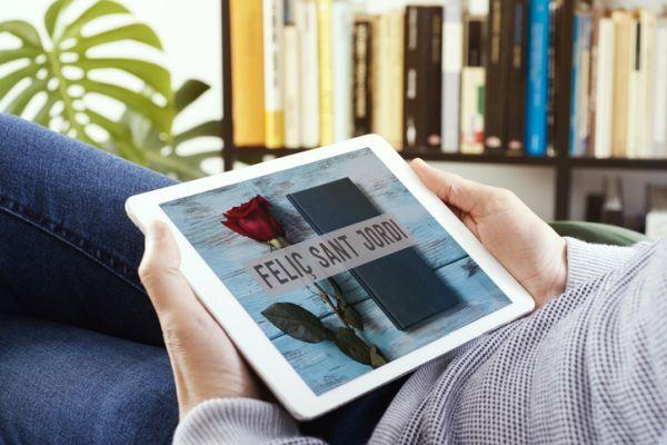 Tablet con mensaje de Feliç Sant Jordi