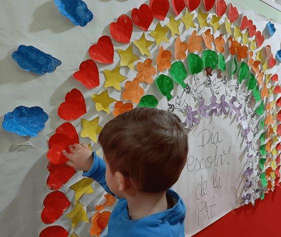 El origen Día Escolar de la Paz y la No Violencia 2021 collage por la paz