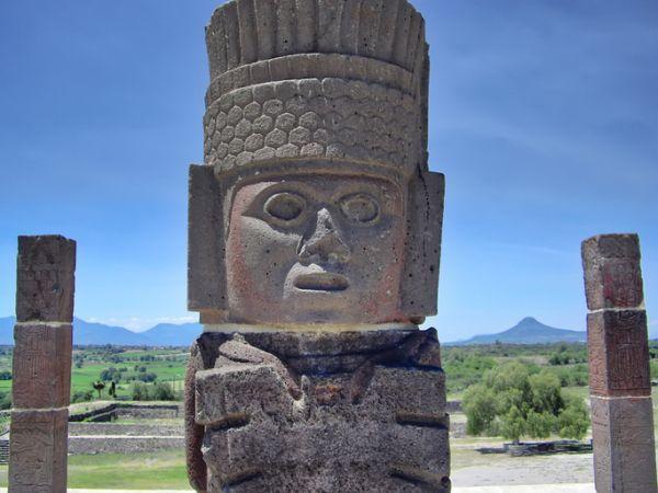Estatua Tolteca