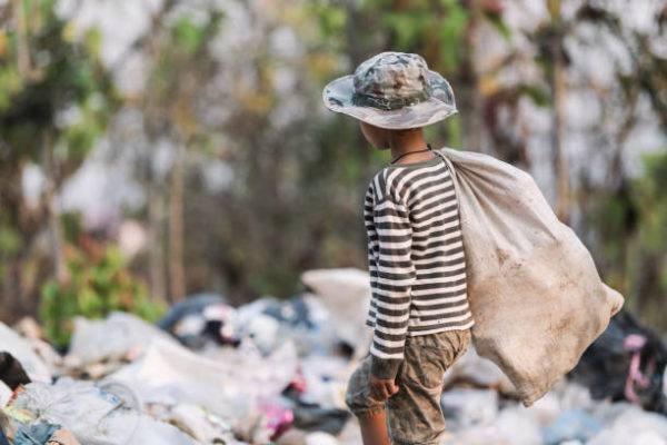 Dia de la esclavitud infantil cuando es por que se celebra cual su origen