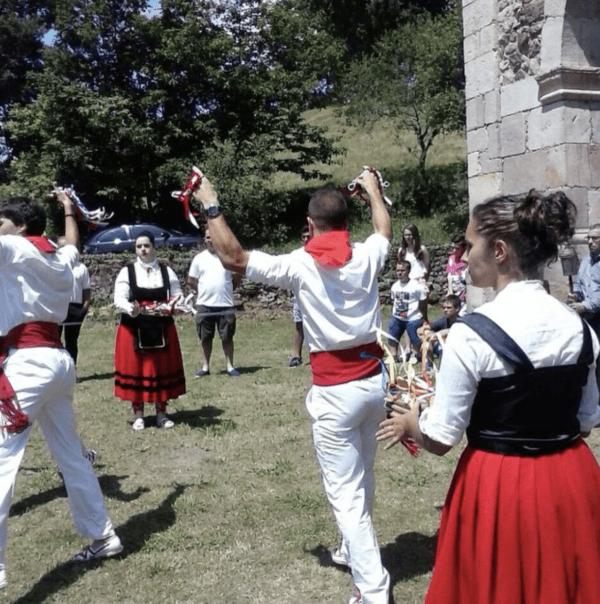 Día de Cantabria 2021: su historia, cuándo es y las mejores formas de celebrarlo bailes y danzas