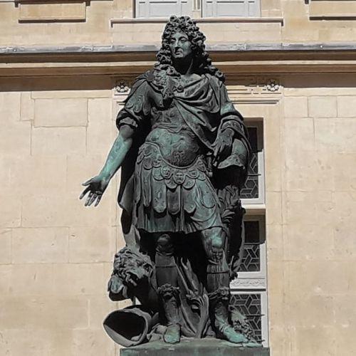 Estatua Luis XIV