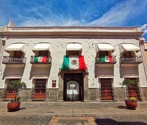 Balcones con bandera México