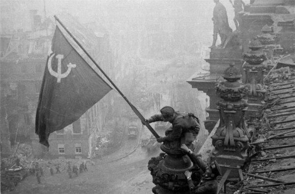 efemerides-7-de-mayo-de-1945-la-rendicion-de-alemania-rendicion