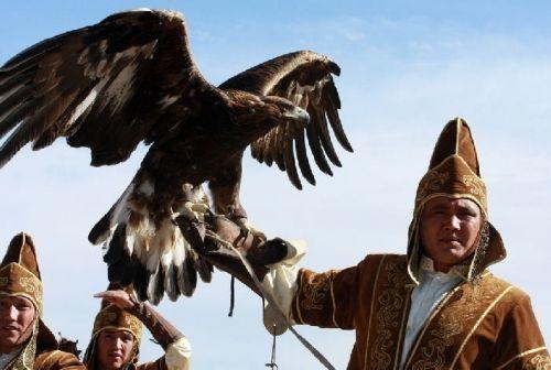 gengis-kan-guerrero-y-conquistador-coronacion-aves