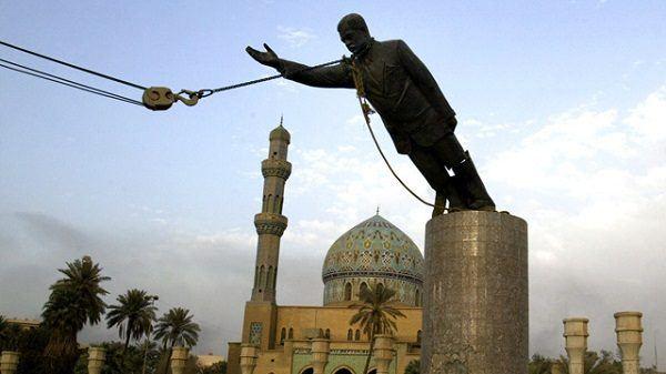 estatua Saddam Hussein