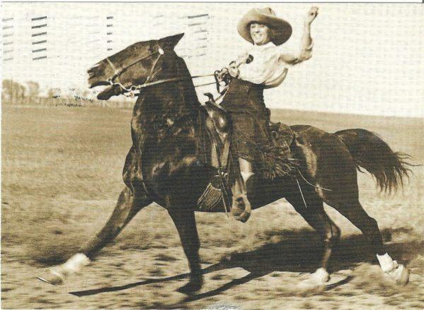 La historia de las mujeres en el oeste, y de las mujeres que trabajaban en los ranchos de ganado