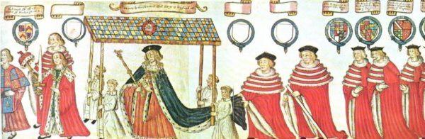 Catalina lucía por su parte una corona de oro, el borde engastado con seis zafiros y perlas y llevaba un cetro de oro rematado con una paloma