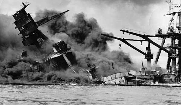 Ataque a Pearl Harbor.