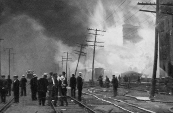 black-tom-ataque-alemn-en-nueva-york-en-1916-incendio