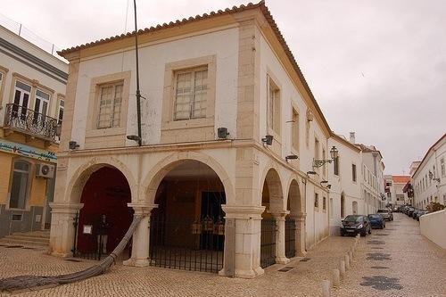 Lagos en el Algarve portugués conserva este edificio utilizado como Mercado de Esclavos