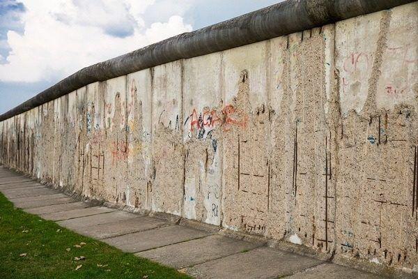 Muro de berlin forma