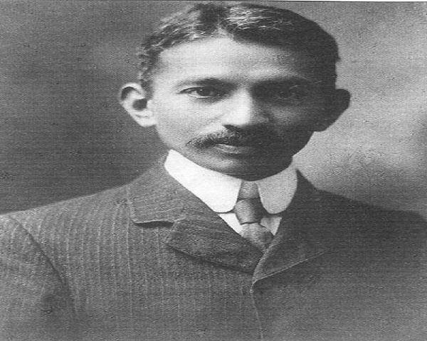 Gandhi joven