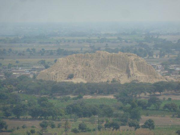 el-senor-de-sipan-la-cultura-mochica-piramide-mochica