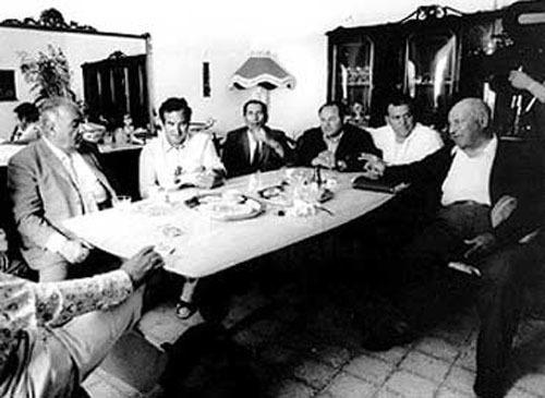 La figura del Prestamista, muchas veces hermanada con la Mafia