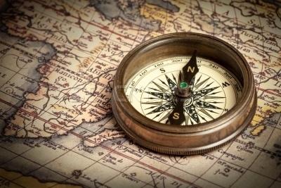 viajes-de-descubrimiento-y-exploracion-brujula