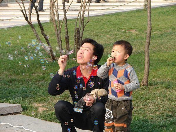 dia-del-padre-en-todo-el-mundo-burbujas