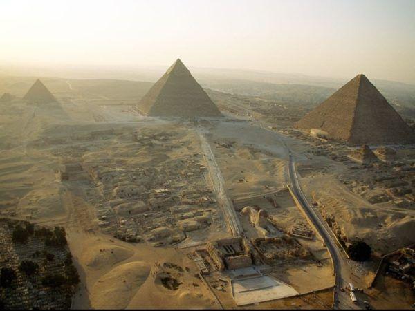las-piramides-de-egipto-ciudad-constructores