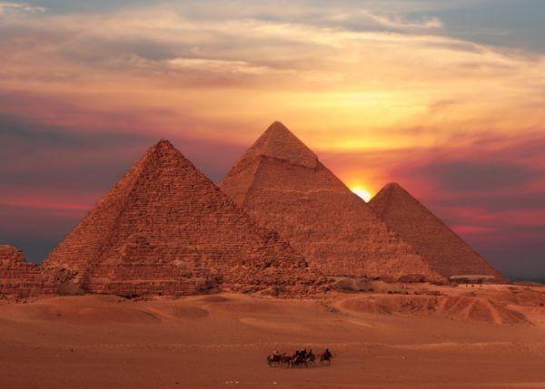 las-piramides-de-egipto-portada