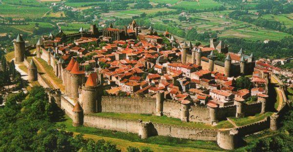 el-feudalismo-en-la-edad-media-ciudad-mediaval