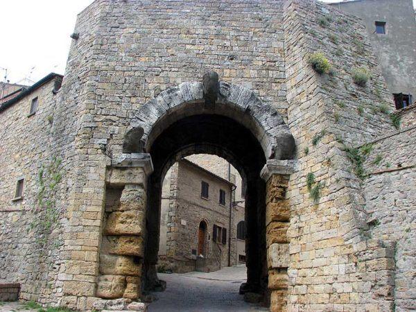 los-etruscos-ciudades-puerta