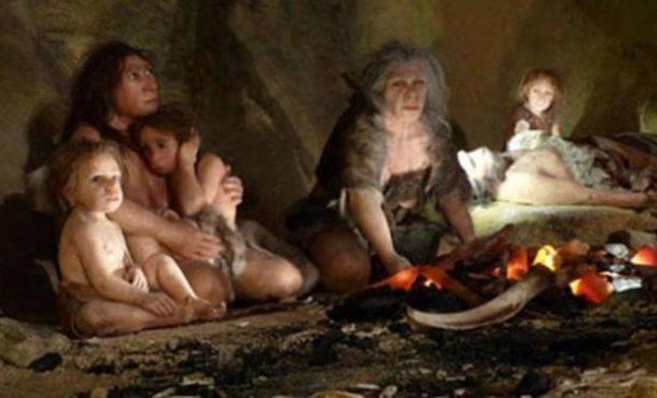 homo-neardenthalensis-atapuerca-escena-cueva