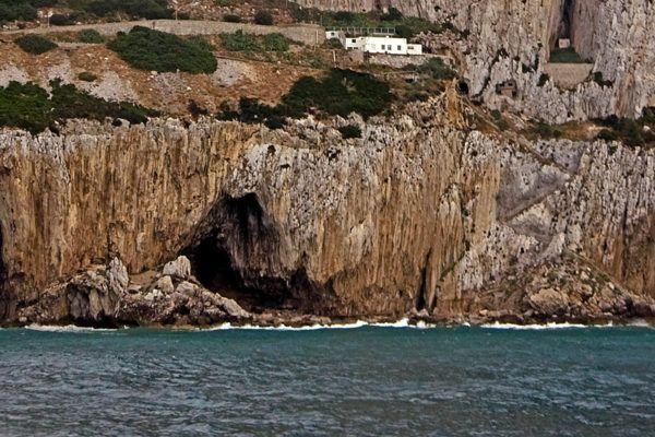 homo-neardenthalensis-cuevas-gibraltar