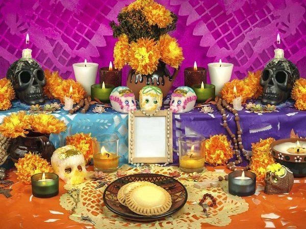 el-dia-de-los-muertos-y-la-cultura-azteca-ofrendas