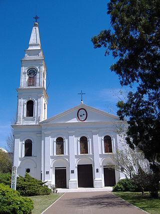 jose-de-san-martin-un-heroe-en-sudamerica-iglesia-san-carlos