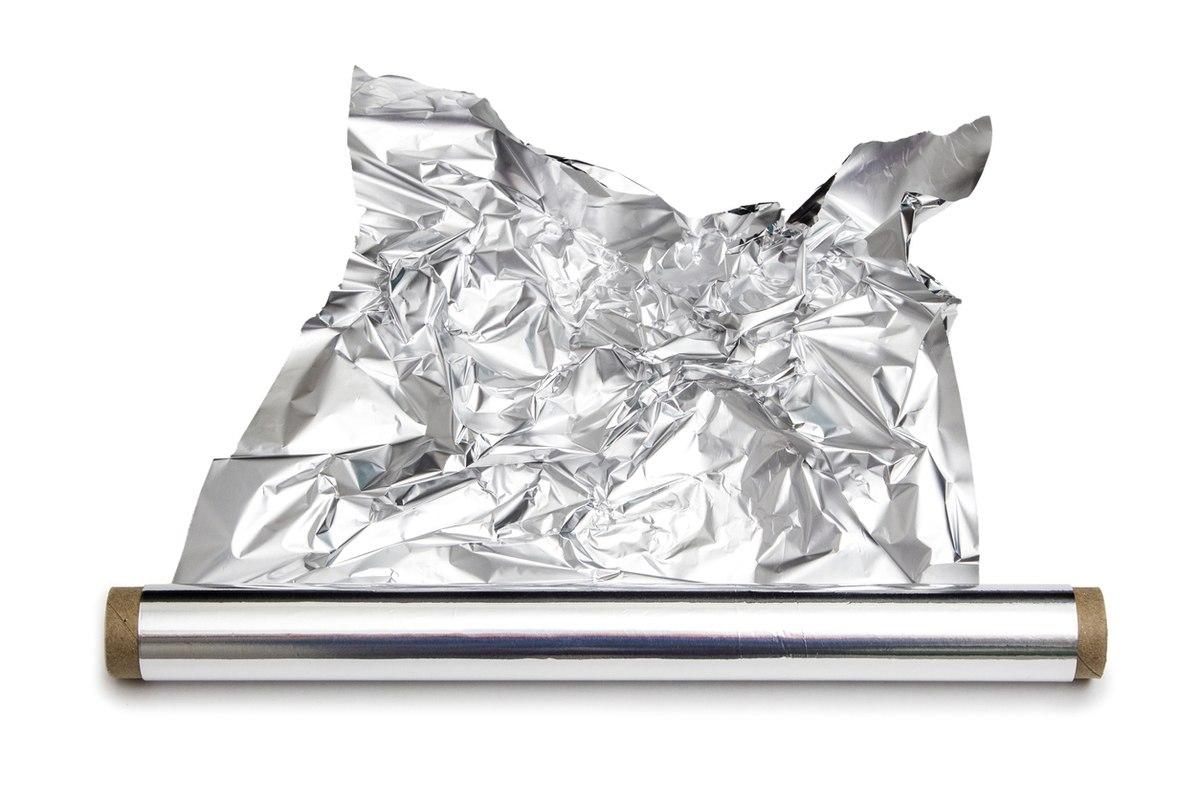 Cocina cubierta de papel de aluminio